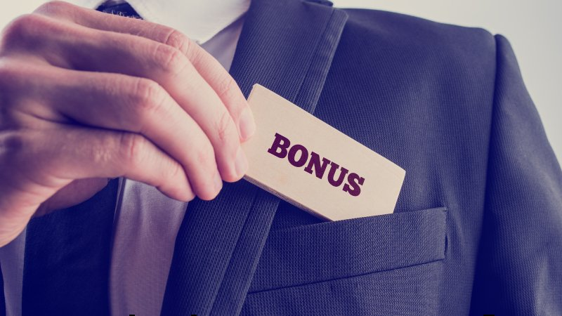 Will Your Houston Metro Company Be Giving Year-End Bonuses?